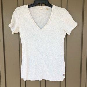 Levi's basic white v-neck t-shirt size small